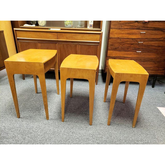 Mid-Century Modern 1960s Mid-Century Heywood Wakefield Nesting Tables - Set of 3 For Sale - Image 3 of 13