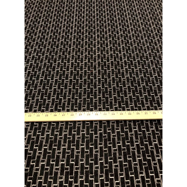 Holland + Sherry Django - Modern Obsidian 100% Wool Black and White Multipurpose Fabric - 8.5 Yards For Sale - Image 4 of 5