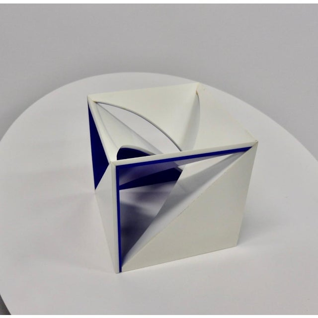 Mid-Century Modern Blue and White Desk Top Lucite Cube Geometric Sculpture For Sale - Image 3 of 10