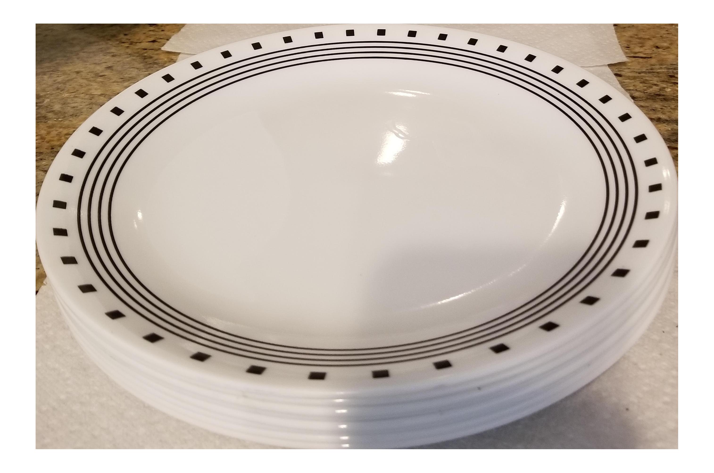Vintage Black and White Corelle Large Dinner Plates - Set of 8 - Image 1 of  sc 1 st  Chairish & Vintage Black and White Corelle Large Dinner Plates - Set of 8 ...