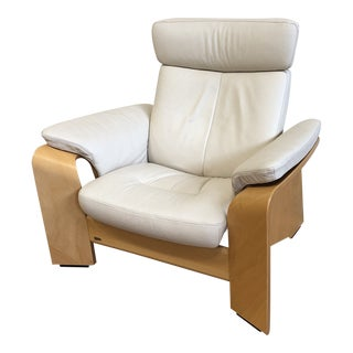 Ekornes Stressless Pegasus Large Leather Arm Chair. For Sale