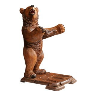 Early 20th Century French Carved Black Forest Three-Gun Holder Bear Sculpture For Sale