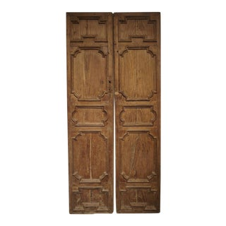 Pair of 17th Century Chestnut Wood Doors From Umbria Italy For Sale