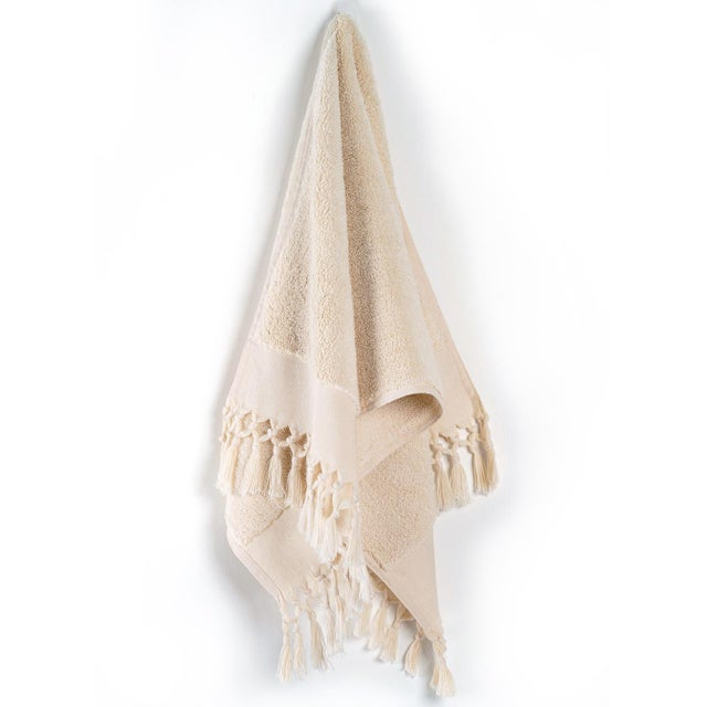 Plush & Bare Handmade Organic Cotton Hand Towel in Ecru For Sale - Image 4 of 4