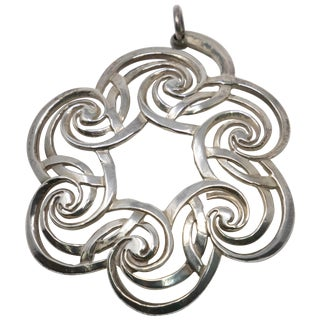 2001 Lunt Sterling Wreath Ornament For Sale