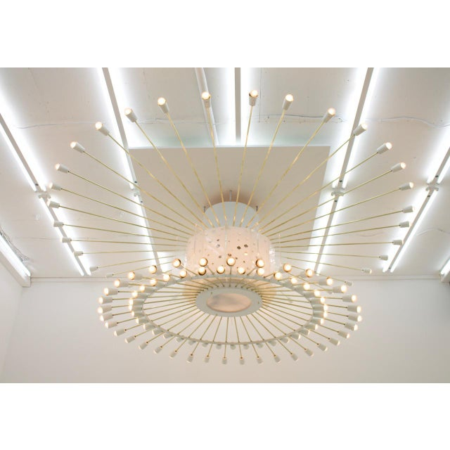Spectacular Giant Sputnik Ceiling Lamp With 132 Bulbs in Brass, Lucite & Metal, 1950s For Sale - Image 13 of 13