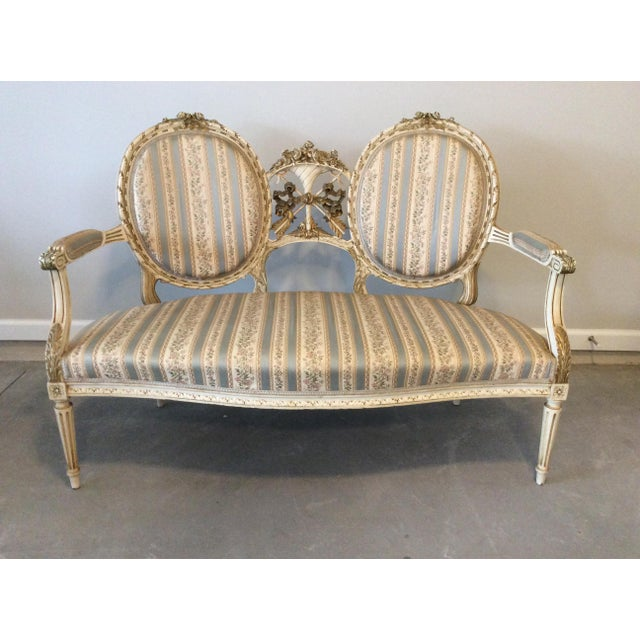 Fabric Early 19th Century Louis XVI Giltwood Silk Upholstered Settee - Impeccable Condition For Sale - Image 7 of 7