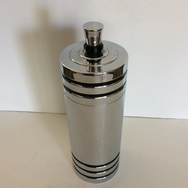 Chase Brass and Copper Company 1930's Art Deco Chase Gaiety Chrome Cocktail Shaker For Sale - Image 4 of 9