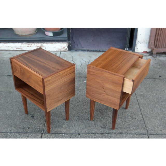 Mid-Century American Walnut Nightstands - A Pair - Image 6 of 10