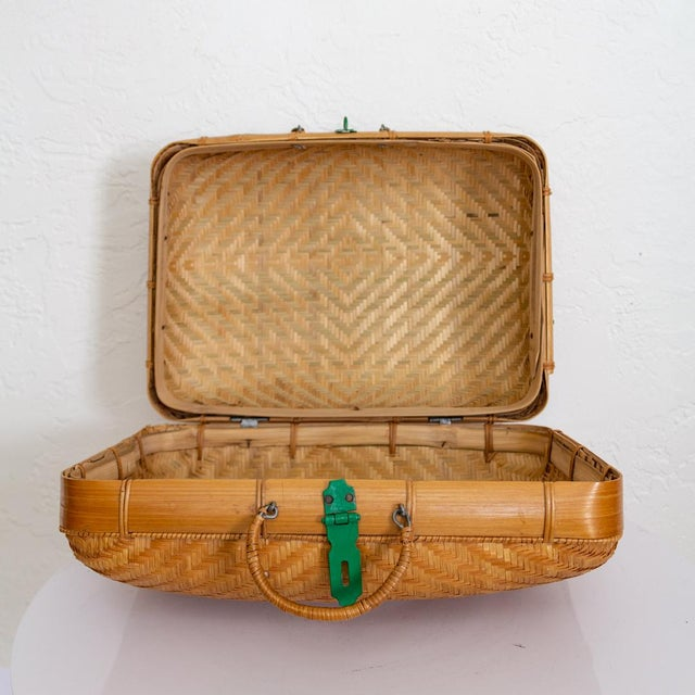 Green Japanese Bamboo Suitcase Basket Decorative Storage | Mao Period For Sale - Image 8 of 10