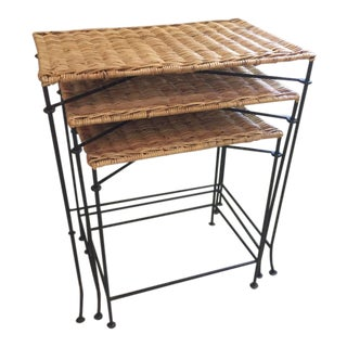 Vintage Country Wicker Nesting Tables With Black Metal Legs - Set of 3 For Sale