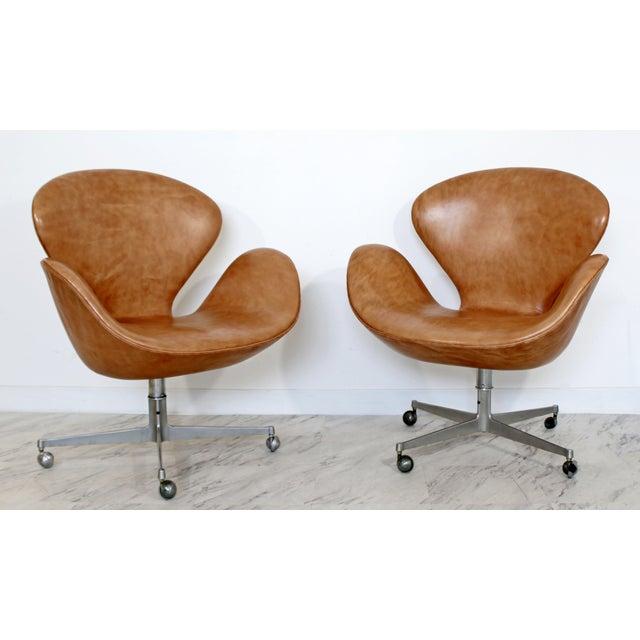 Lovely Mid Century Modern Arne Jacobsen Fritz Hansen Set 4 Leather